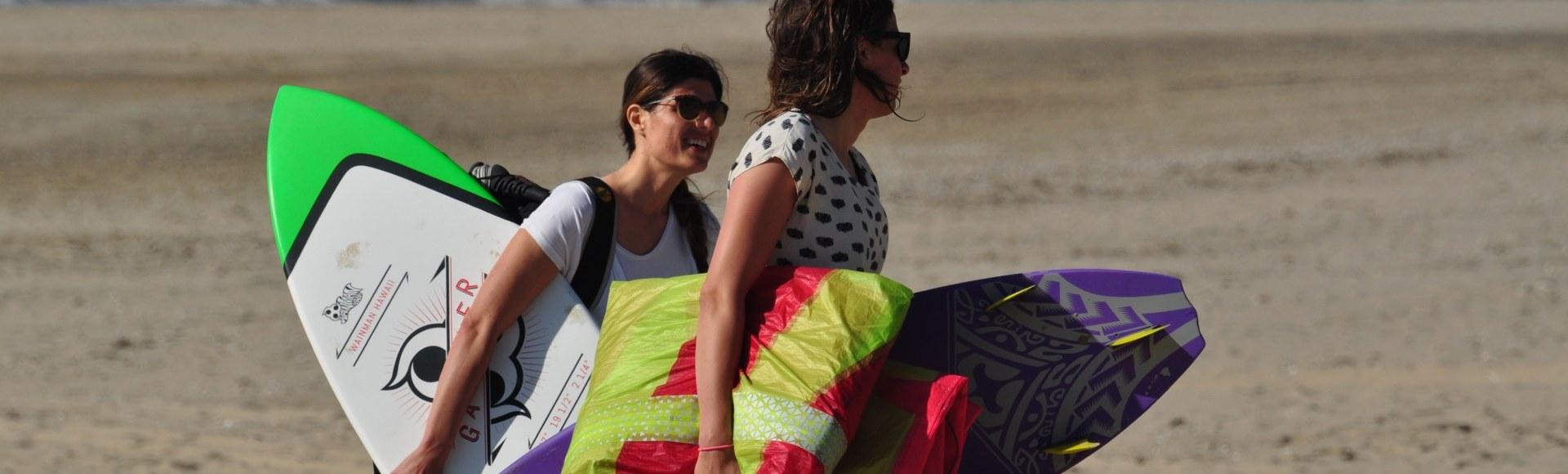 Kite gear stalling Bloemendaal aan Zee